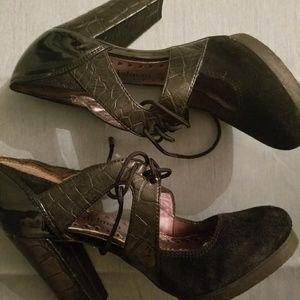 Libby heels